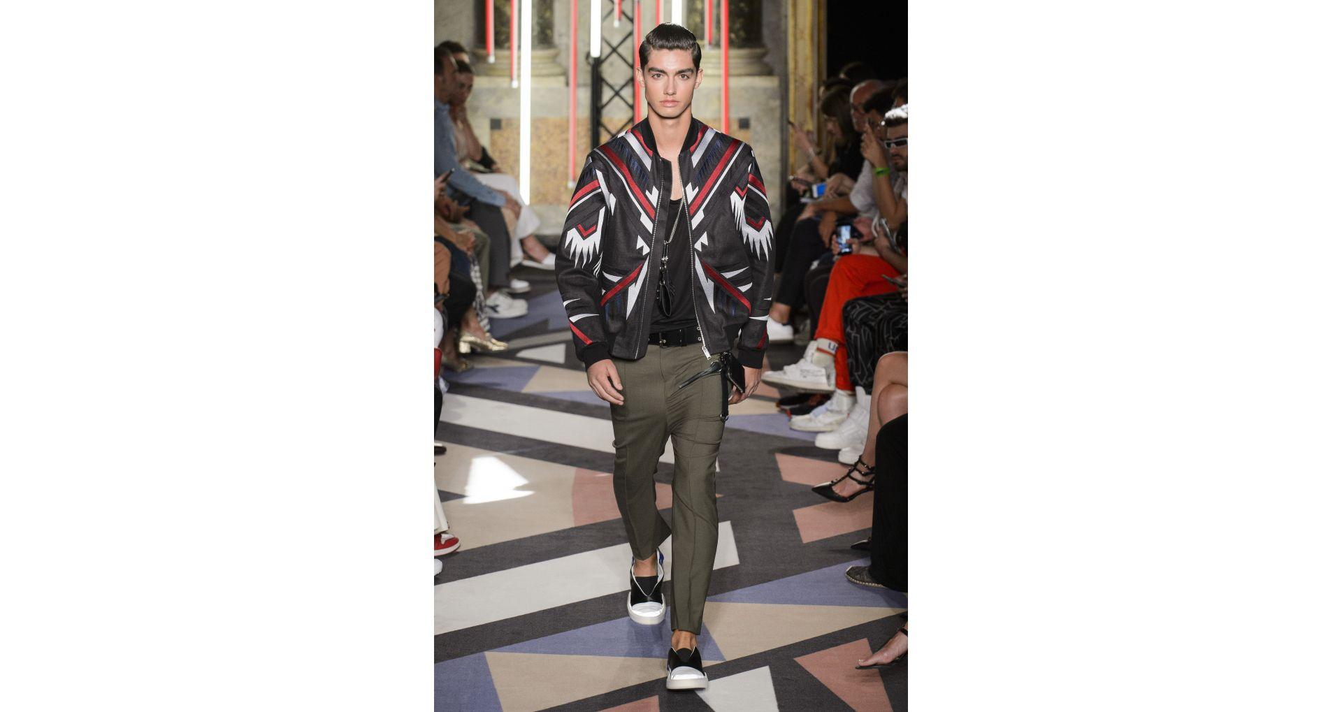 Geci (jachete) pentru barbati, din denim, din piele, din poliester